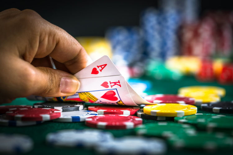 Why free poker is the best way to upgrade your skills?